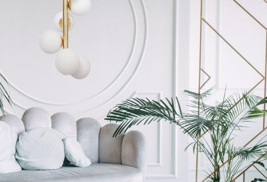 Jak rozświetlić wnętrze w stylu glamour? Poznaj lampy Kaspa