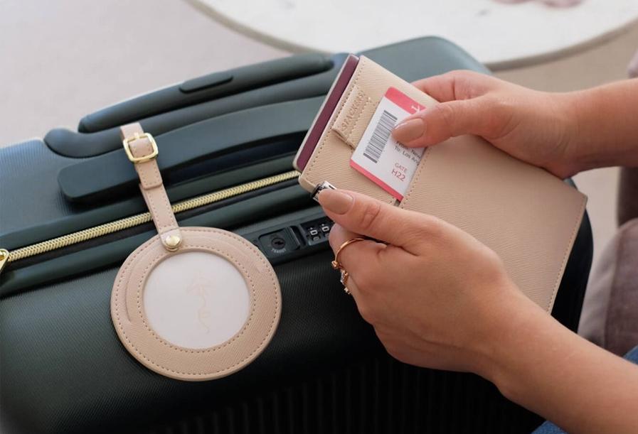 Podróże mogą być jeszcze przyjemniejsze! Poznaj akcesoria przydatne na wakacjach