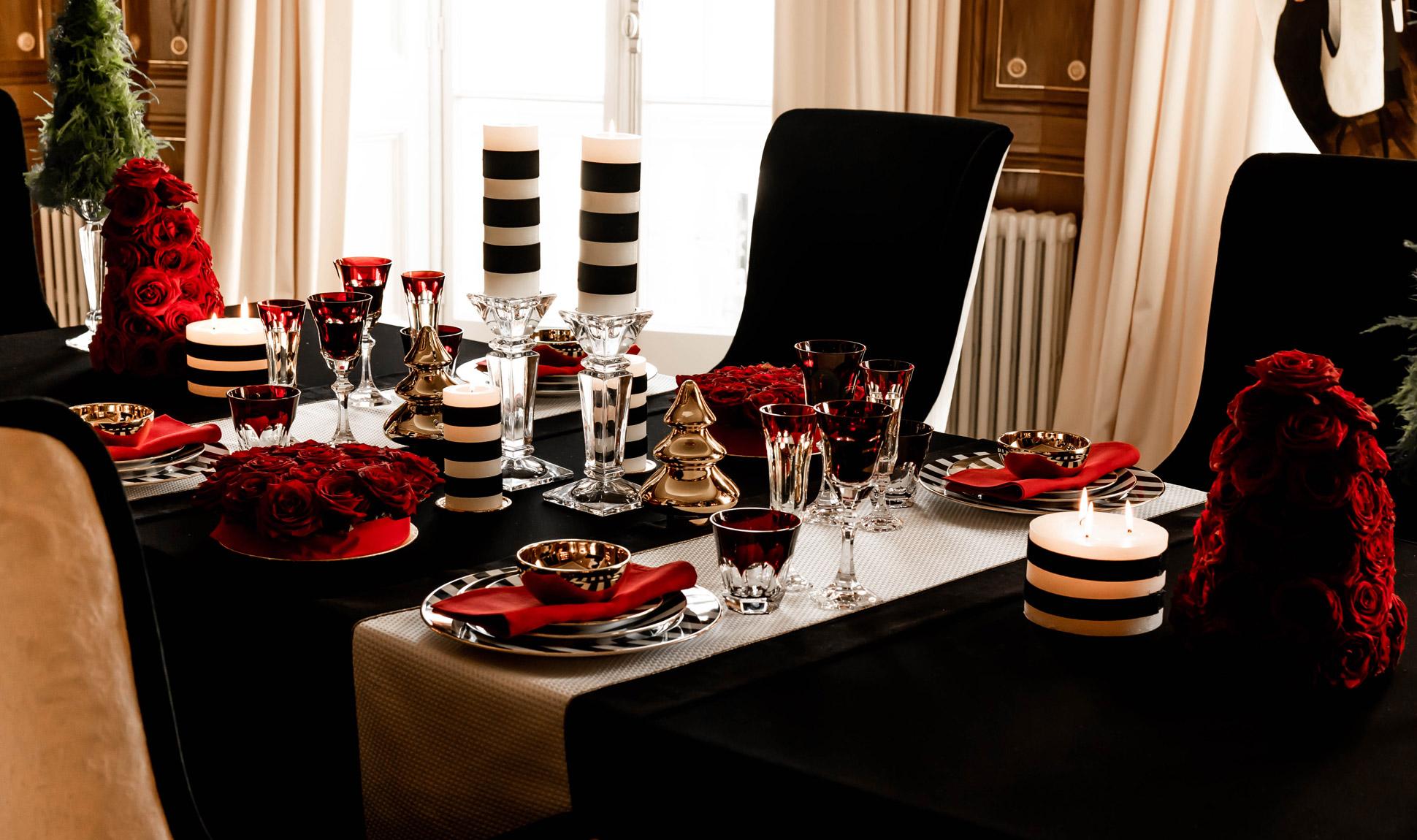 Dekorujemy świąteczny stół z La Mania Home.